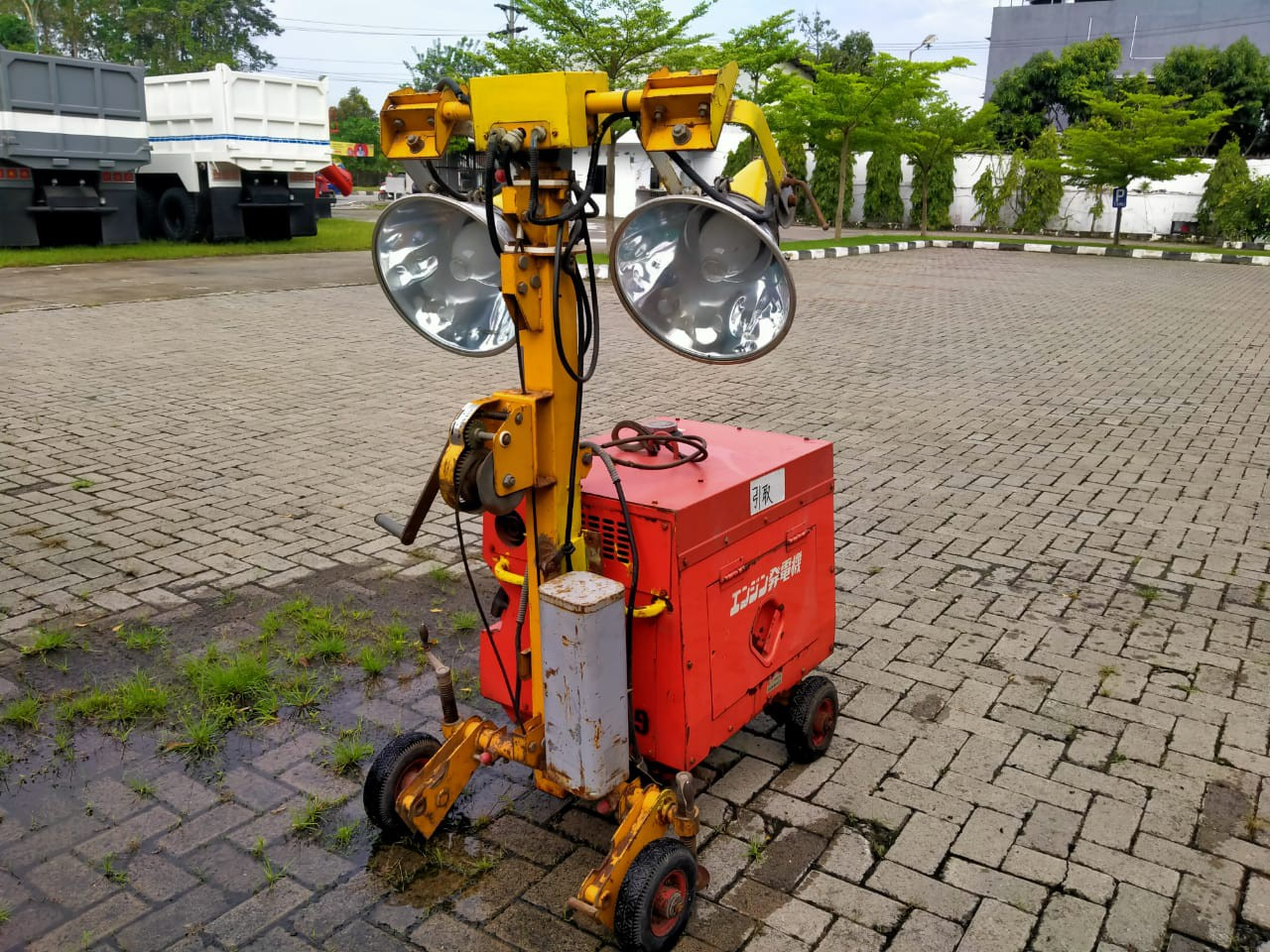 TOWER LIGHT DENYO PL-400WK